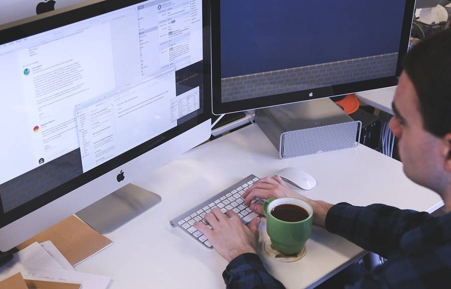 7 Reasons You should Hire a Professional Web Design Company