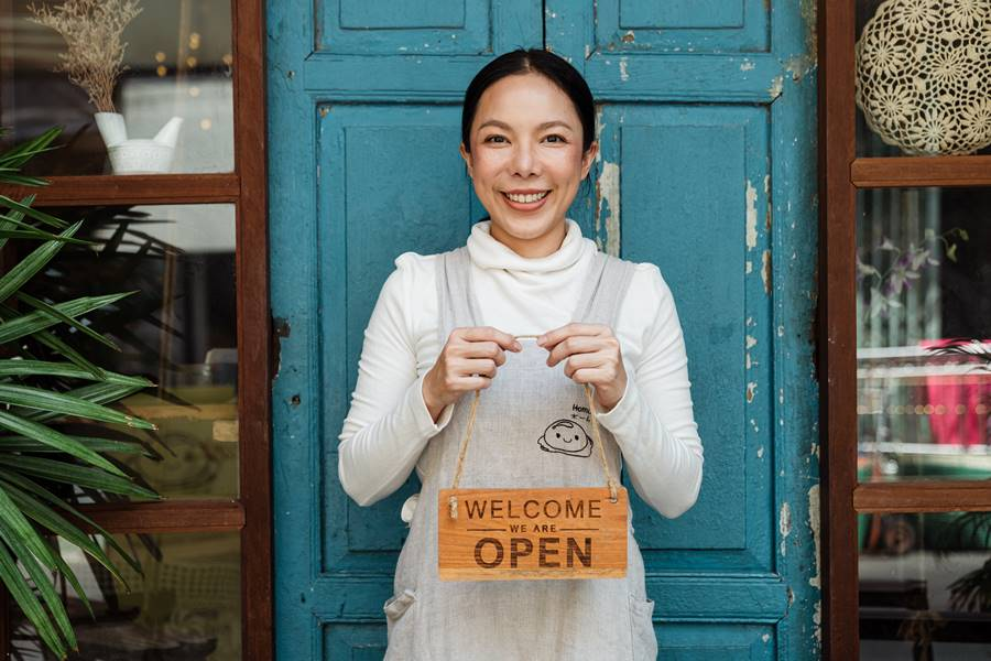 4-Jobs-That-You-Can-Outsource-As-a-Small-Business