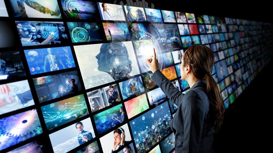 How Digital Signage Can Help Boost Your Business' Presence