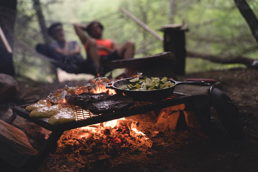 Top Trending Tips To Host A Barbeque Party Without Stressing Out